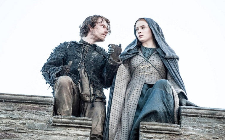 game-of-thrones-alfie-allen-sophie-turner