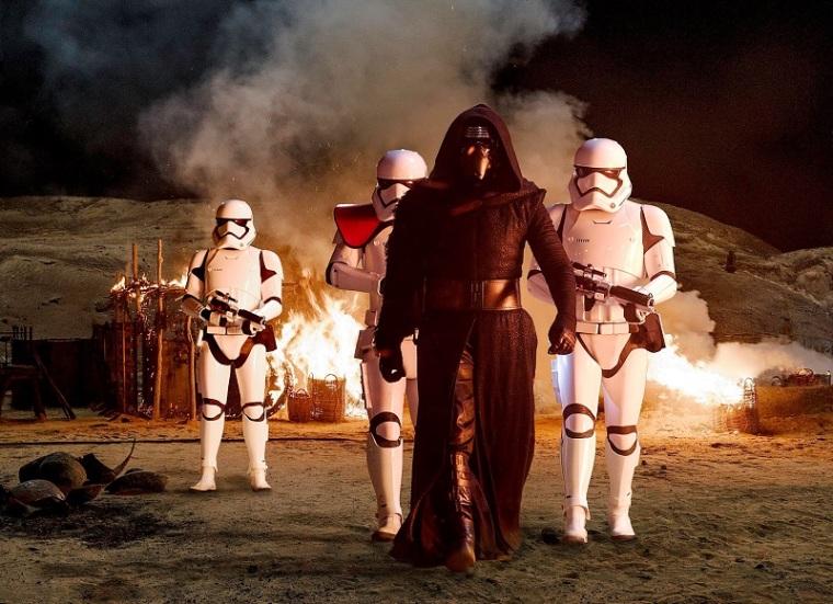 star-wars-the-force-awakens-ew-01